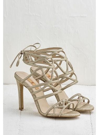 Elle İnce Topuklu Ayakkabı Altın